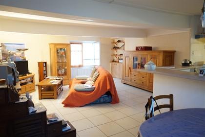 Appartement avec grand garage