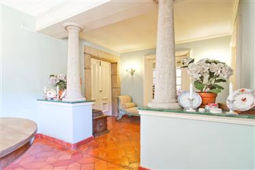 Casa: 1840 m²
