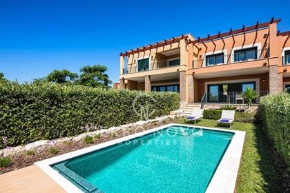 Moradias em banda de luxo com piscina privada