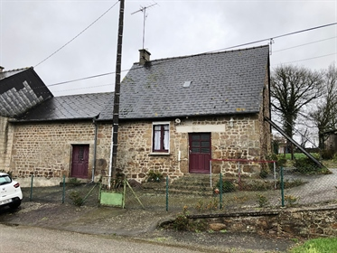 Maison en pierres en campagne