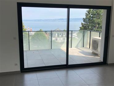 Appartement neuf avec vue panoramique sur le lac 2 min du ce...