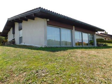 Villa design architecte avec vue sur le lac