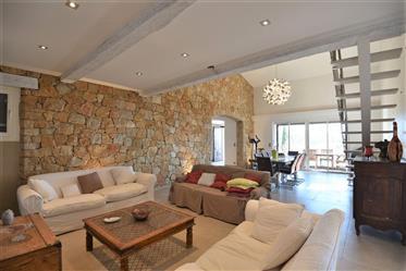 Belle vue vallée, maison en pierre de 200 m²