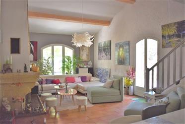 Proche village, belle villa de 123 m²