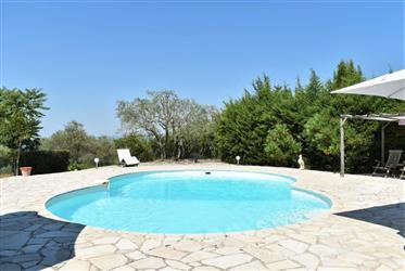 Belle vue, villa de 105 m² sur 2531 m²