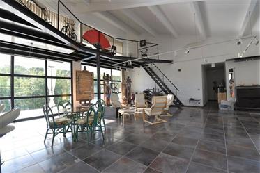 Villa Atypique 320 M² Avec Dependance Terrain 3581 M²