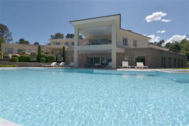 Belle Villa  Avec Court De Tennis Terrain De 7825 M²