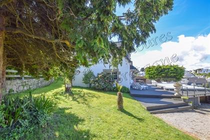 A vendre agréable maison bretonne avec vue mer et piscine su...