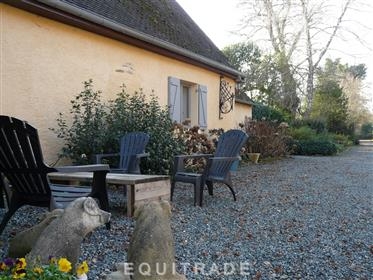 Lovely property, 5ha, house and gîte, lake
