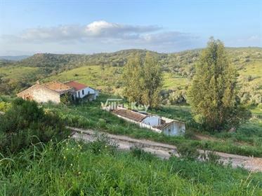Grande Herdade com ruínas a poucos kms de Lagos