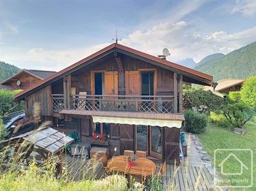 Chalet de 2 chambres dans un petit hameau résidentiel