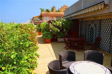 Terrasse 350m² , proche plages 4 pièces