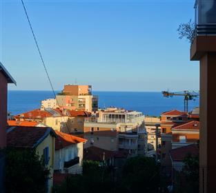 A pieds de Monaco, terrasse