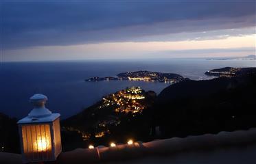 Entre Monaco et Nice , vue mer