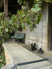 Proche St Gengoux Le National. Maison ancienne à rénover.