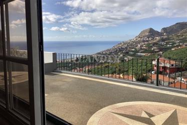 4 υπνοδωμάτια με θέα στην θάλασσα προς πώληση, Câmara de Lobos
