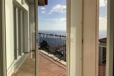 1 υπνοδωμάτιο διαμέρισμα τελευταίου ορόφου με μπαλκόνι προς πώληση, Caniço, Santa Cruz