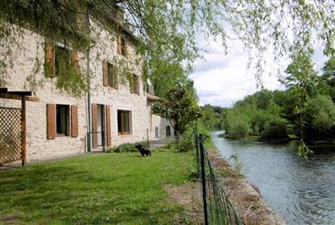 Deux Sevres – Beautiful Detached Riverside Home – Parthenay