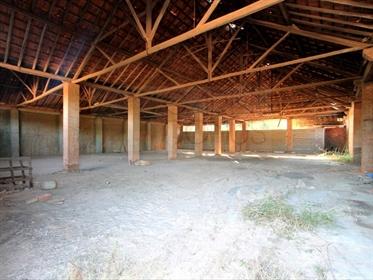 Armazéns e ruínas industriais em terreno de 32300m2, em Abrã, Santarém