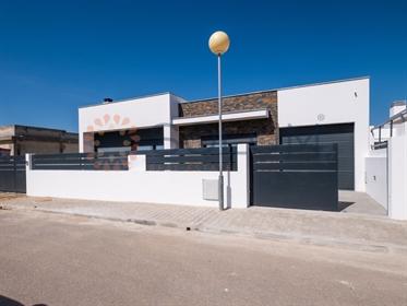Moradia T3 Nova com piscina – Oleiros, Azeitão