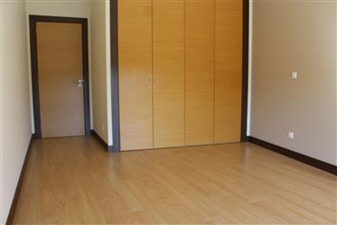 Fantástico Apartamento T4 - Oportunidade - Caldas da Rainha