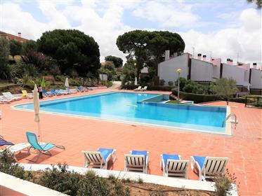 Moradia T3+1 em Condomínio com piscina e Vista Mar/Lagoa