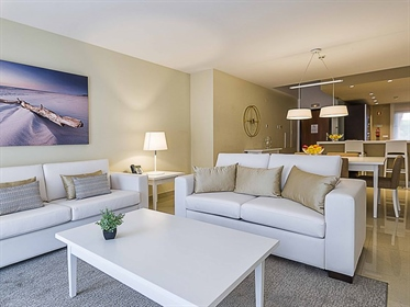 Modern apartment for sale inserted in a Golf Resort, located...