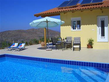 Maisonettes close to  the sea and nice views!!!!  east Crete
