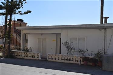 House: 240 m²