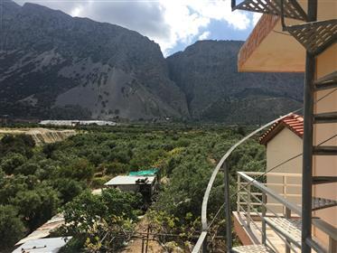 Apartment of 110m2 in Monastiraki.