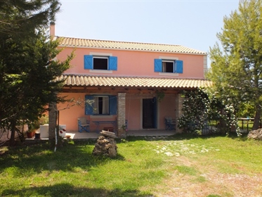 Detached house 140 m² in Corfu