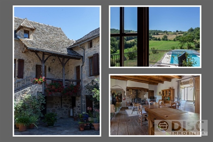 Beautiful country house with swimming pool and workshop.