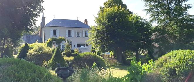 Meung Sur Loire, 1H30 Paris Demeure de caractère de 288 m²
