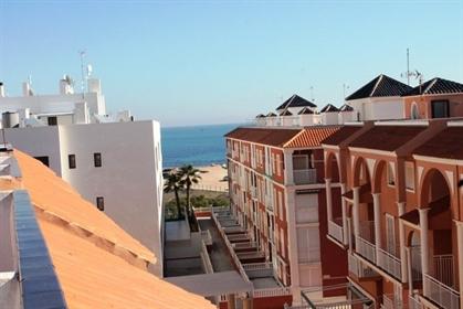 Apartamento en La Mata zona Puerto romano, 82 m. De superficie, 100 m. De la playa, 2 habi