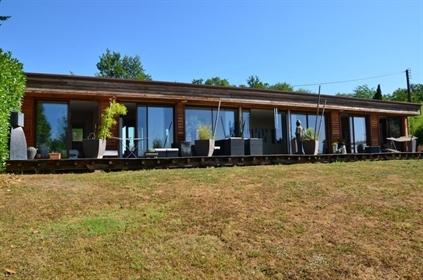 Maison récente de plain-pied Maison contemporaine à ossature bois dans un cadre privilégi