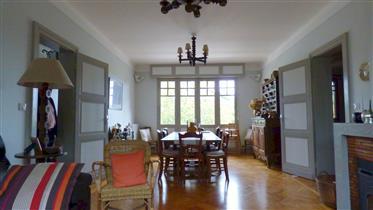 Basco-Landaise de 250 m² sur 2500 m² à 20 minutes des plages