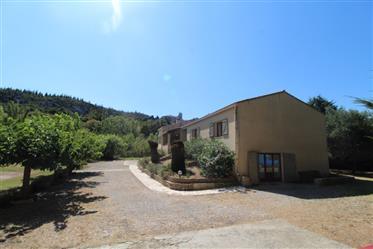 Villa sur 2000 M2 avec un gîte indépendant
