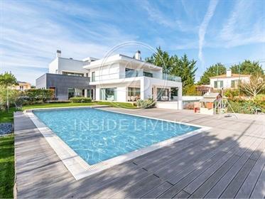 Vivenda: 436 m²