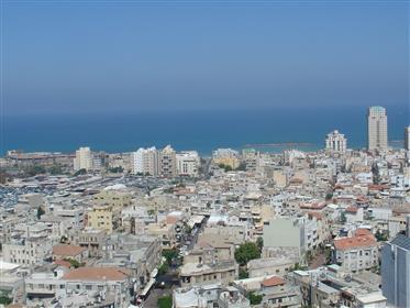 Apartamento en piso alto con vista al mar gratis - amplio y hermoso -
