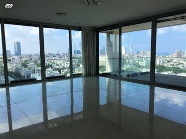 Para alquilar un espacioso apartamento de lujo con dos terrazas para tomar el sol,
