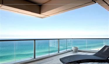 דירת יוקרה עם טרסה מול הים נוף חפשי