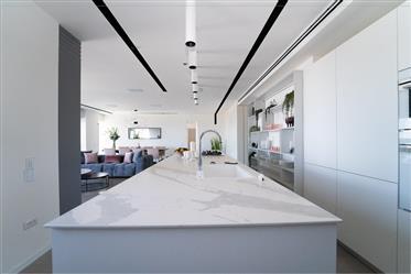מגדל היוקרתי מידטאון תל אביב, דירה מעוצבת ומרוהטת ברמה גבוהה במיוחד עד לפרטים הקטנים