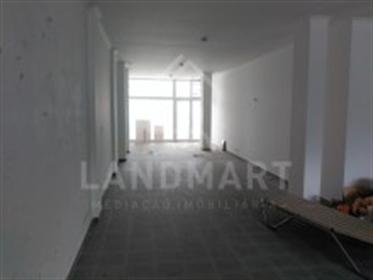 Loja - Alcobaça - Casas, apartamentos, moradias e terrenos para comprar ou vender casa contate-nos.