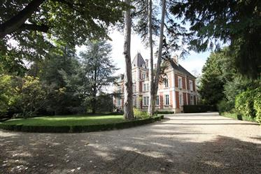 Luxus-Immobilie: 650 m²
