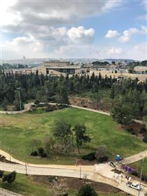 A huge four-room apartment for  rent in Megiddo Towers.