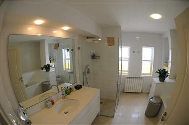 Haus: 240 m²