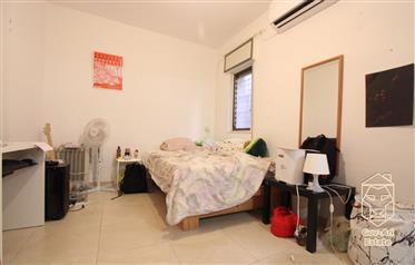 Wohnung: 90 m²