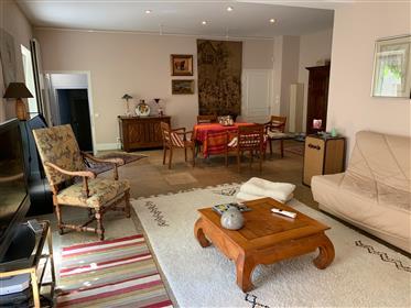 Bourgogne 21 Beaune Maison De 236 M² 5 Chambres  Cour Terrasse Garage