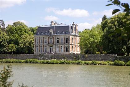 Compiègne – een elegante Neo-Louis XIII eigendom