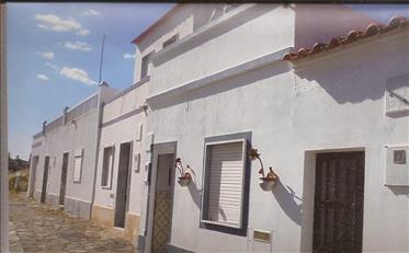 Casa Tipica Com 2 + 1 Quartos Numa Povoação Frente Ao Rio Guadiana - Concelho Castro Marim